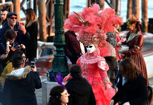 Carnival Takes Over Venice: Pictures