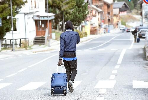 Peines de prison pour sept personnes ayant aidé des migrants