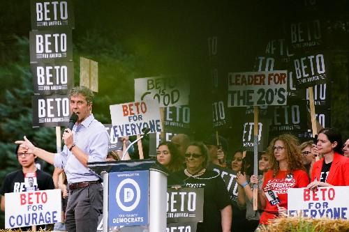 U.S. Democratic presidential hopefuls vie to wow voters at Iowa steak fry