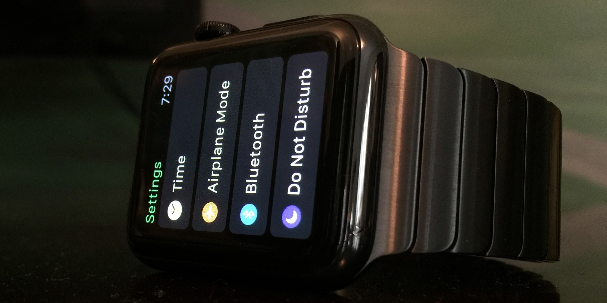 Apple clarifies Space Black Apple Watch won't hit stores until all online orders fulfilled