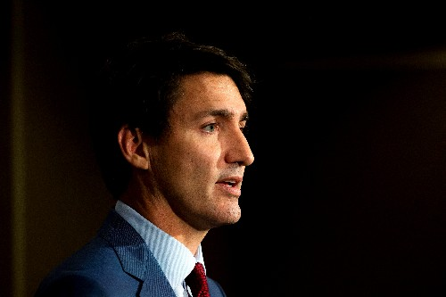 Canada's Trudeau resumes campaign as polls show damage from blackface photo