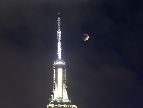 A Blood Supermoon Rises Around the World: Pictures