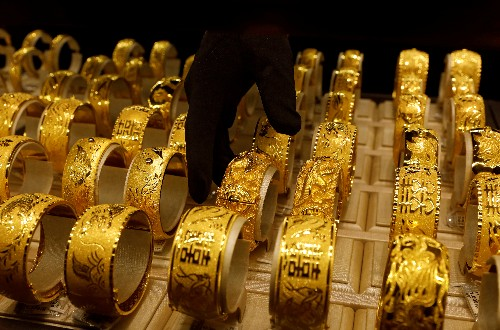 Asia gold buying stalls as consumers look to cash in on price rally