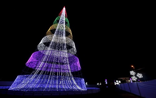 Christmas Trees Around the World: Pictures