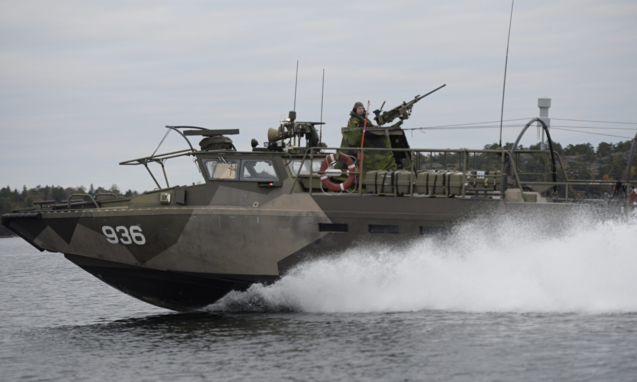 Sweden searches for suspected Russian submarine off Stockholm