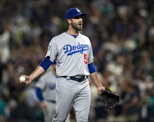 Balk-off: Mariners beat Dodgers 5-4 on Floro's flinch