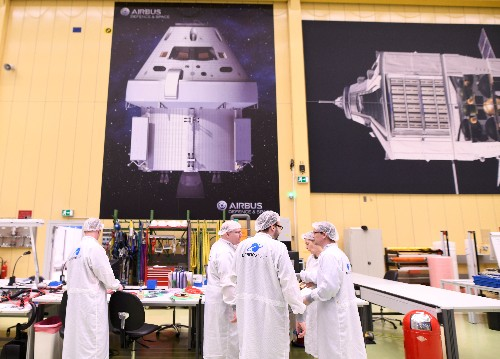 Fly me to the moon: Germany eyes slice of lucrative space market