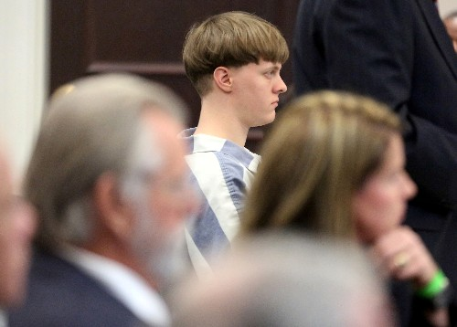 Charleston mass shooting victims can sue U.S. over gun purchase - court