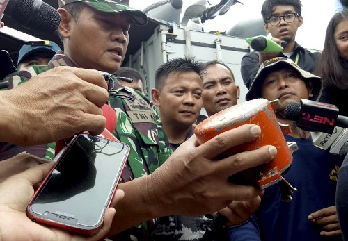 Official: 3rd pilot helped on next-to-last Lion Air flight