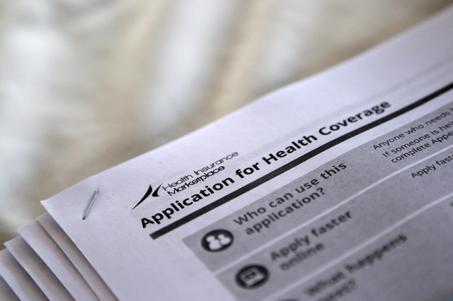 Trump administration cuts grants to help people get Obamacare