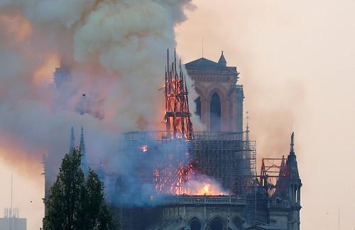 La flèche de Notre-Dame ravive la querelle des anciens et des modernes