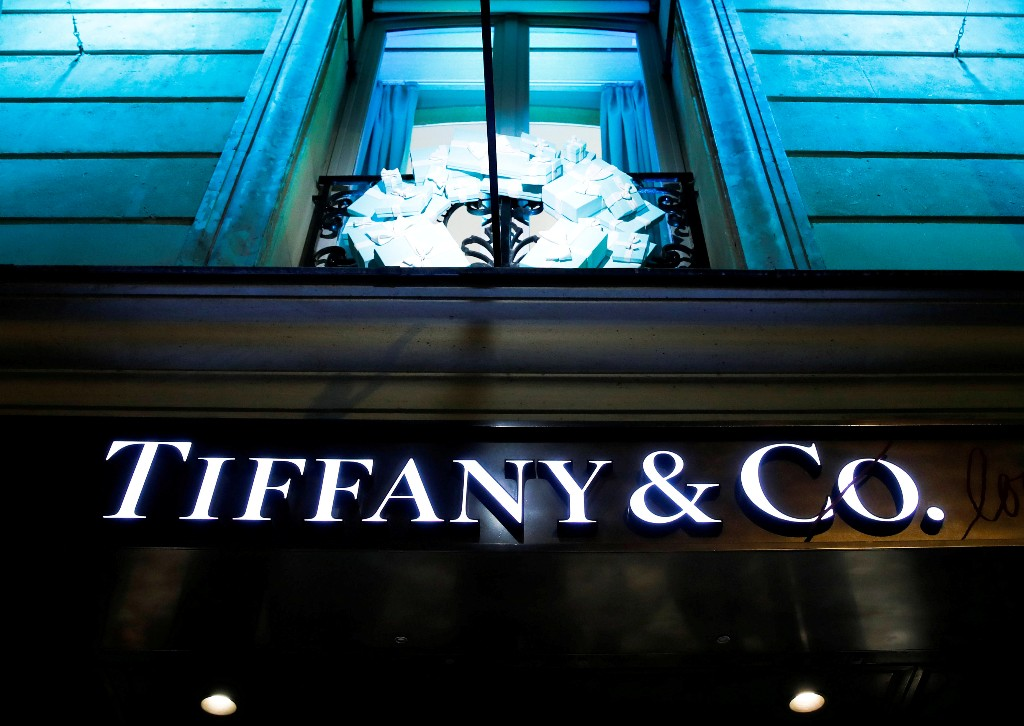 EU antitrust regulators to decide by October 26 on LVMH, Tiffany deal