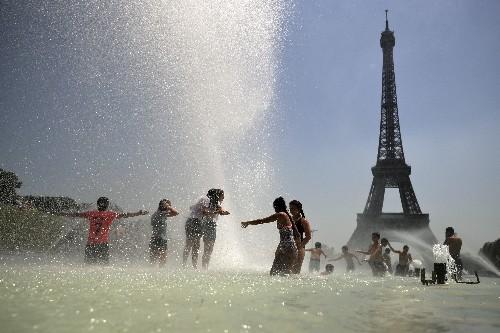 European heat wave sees Germany put speed curbs on autobahn