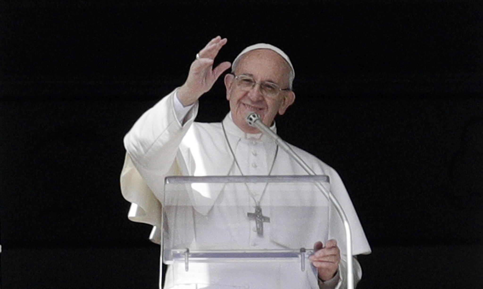 Pope Francis: married men could be ordained to ease priest shortages