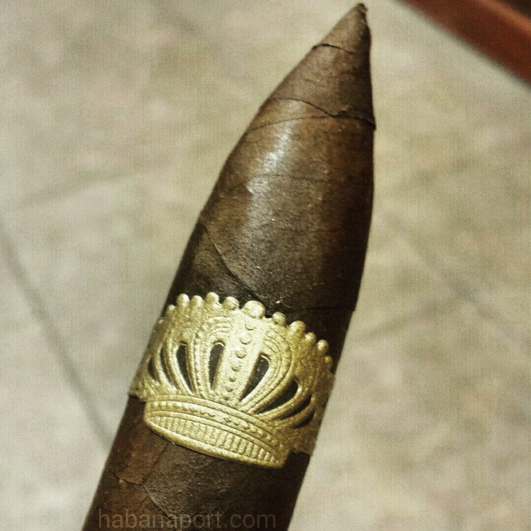 Have you tried the Sobremesa Torpedo Tiempo? The only figurado vitola in the line, this cigar measures 6x54. www.habanaport.com