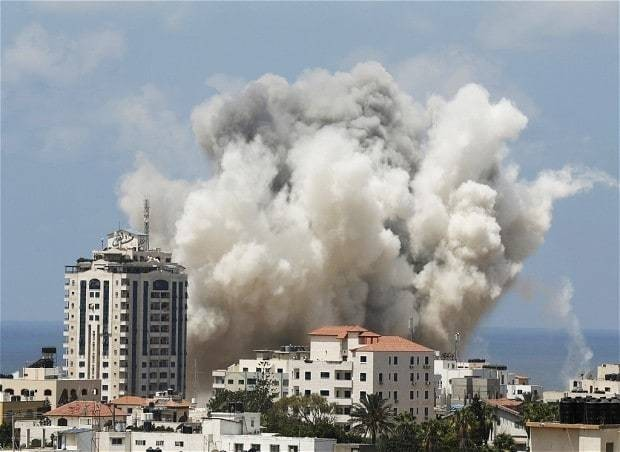 Rockets fired as Israel and Palestinian factions 'renew ceasefire'