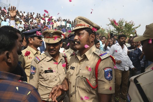 Indian police fatally shoot 4 suspects in gang-rape case