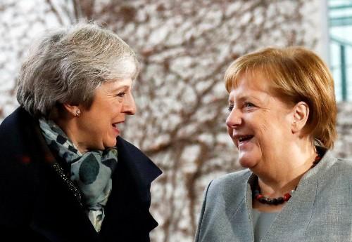 Blatt - Merkel stellt May vor Brexit-Votum Entgegenkommen in Aussicht