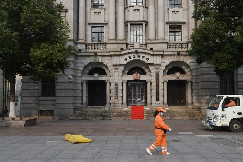 China's big banks flag asset pressure due to virus, boding ill for smaller kin