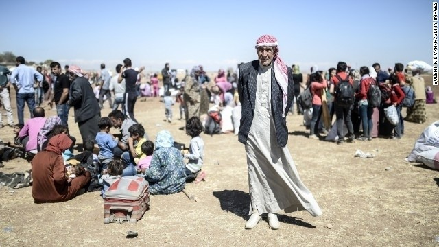 200,000 flee in biggest displacement of Syrian conflict, monitor says