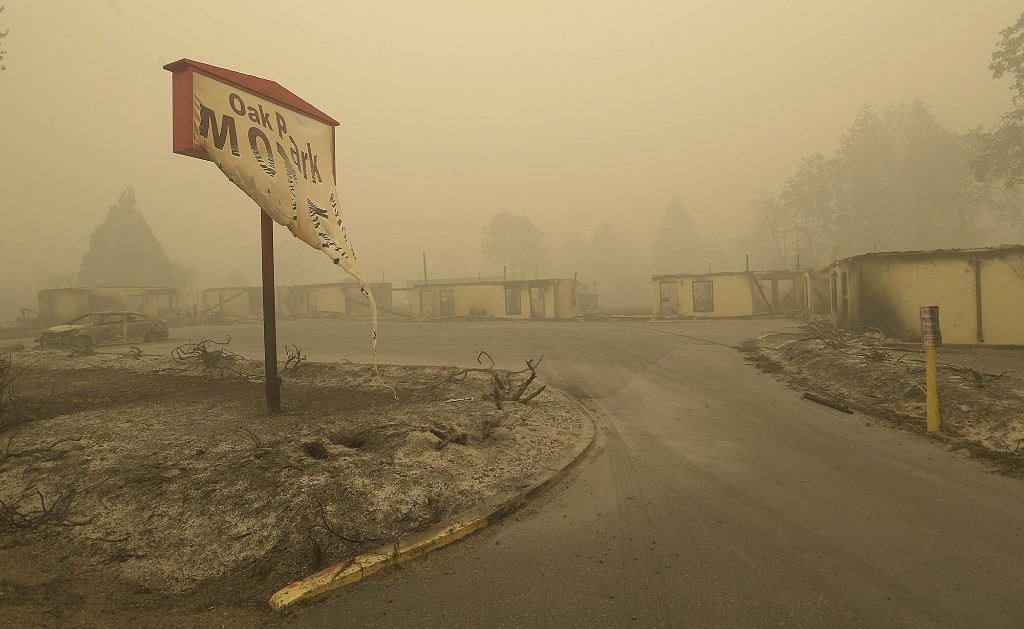 Winds a worry as death toll reaches 35 from West Coast fires