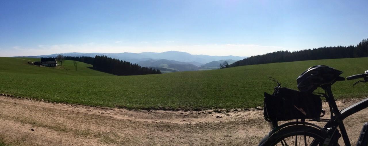 """Heute erstmals meine lange Runde im Hochwald bei St.Peter im Schwarzwald geradelt. Das Projekt """"die FETTEN Jahre sind vorbei"""" (mai 2014-april 2015 -23kg) geht weiter.......mal schauen wo ich im Oktober stehe....."""