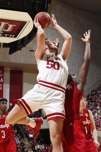 Jackson-Davis leads Indiana to 10-1 start in OT win