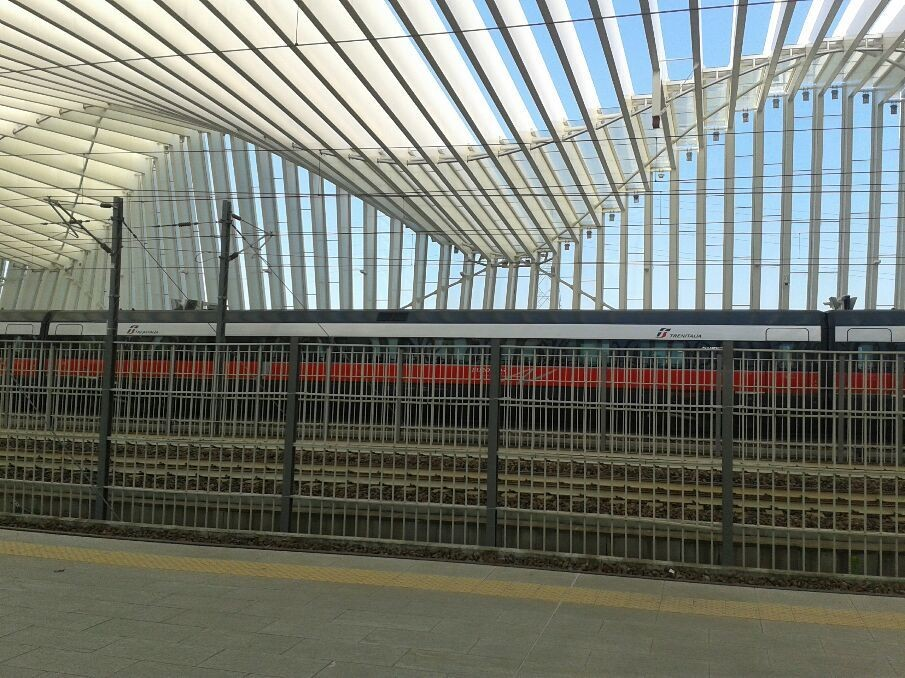 What a nice station....it's huge...