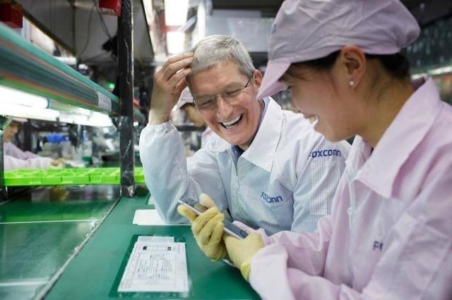 Foxconn to spend $2.6 billion building a factory exclusively for Apple