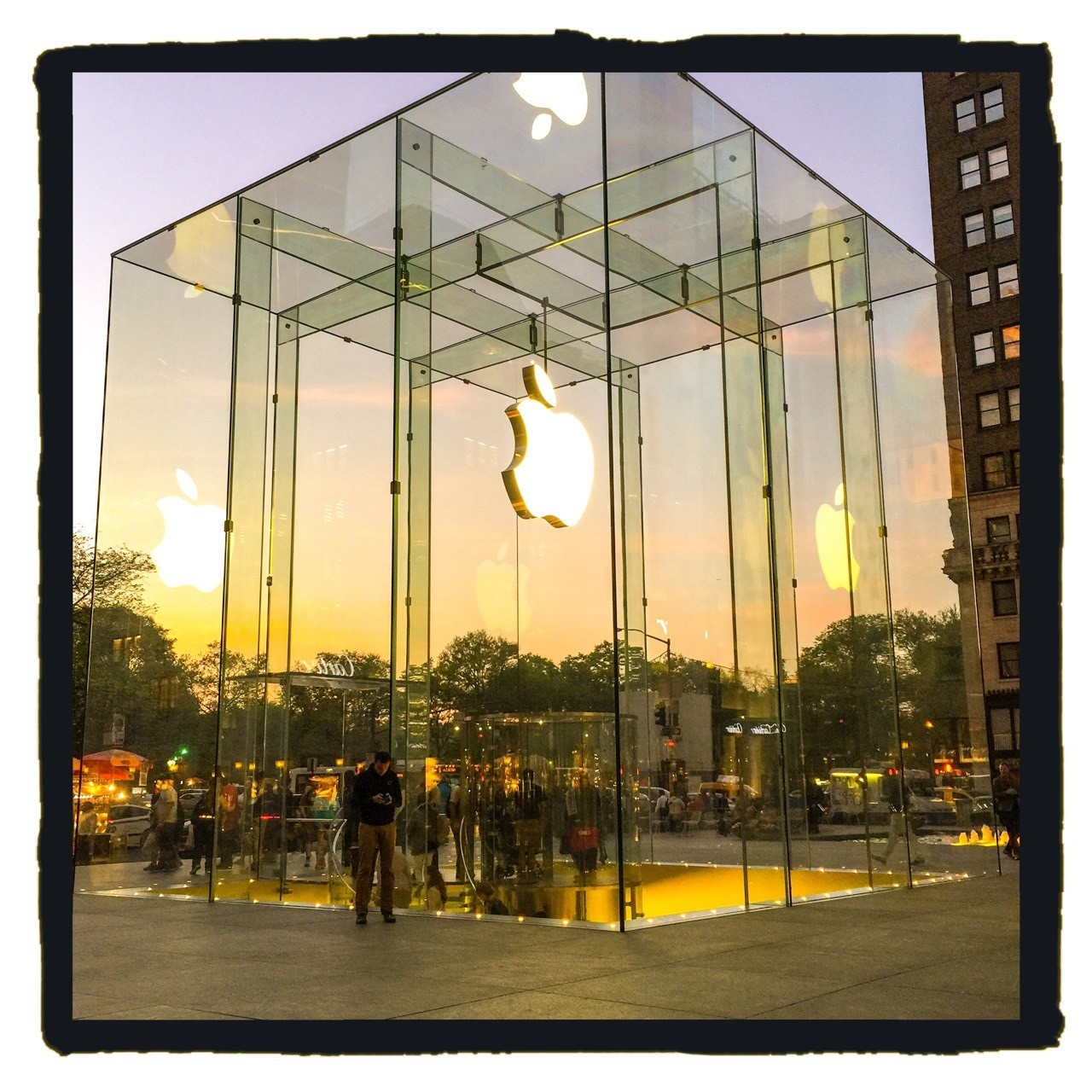 Apple 5th ave, NYC