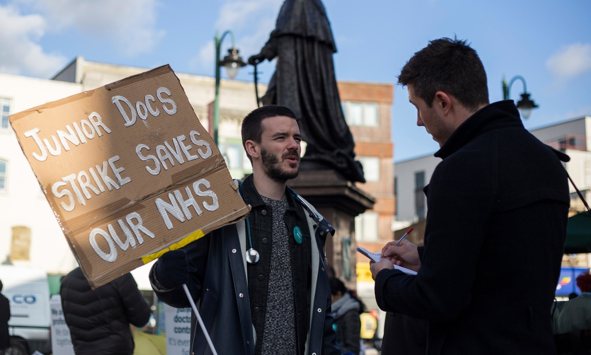 Junior doctors face forced contract after rejecting Jeremy Hunt's 'final offer'