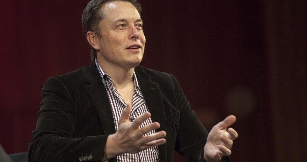 Глава Tesla рассказал о будущем кроссовере | hi-news.ru