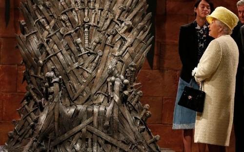 'Game of Thrones' Creators Explain Why Queen Elizabeth Refused the Iron Throne