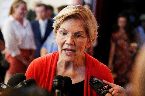 Democratic candidate Warren sees U.S. economic downturn; urges quick steps