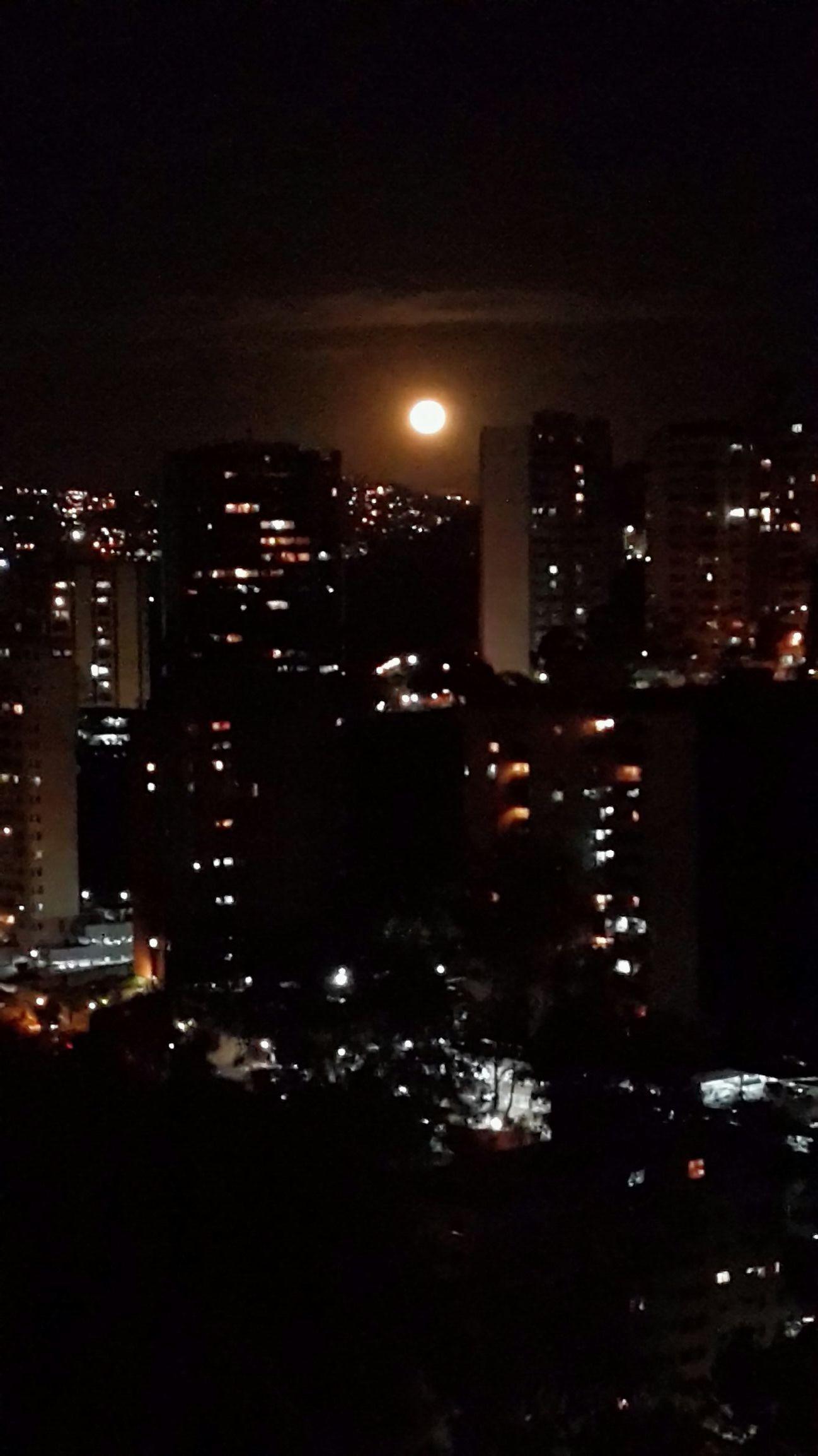 Buenas noches Caracas