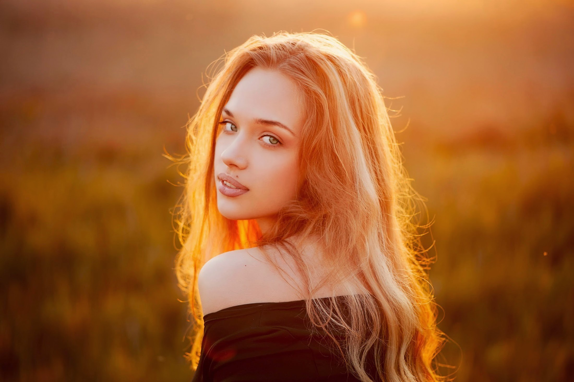 the Beauty of the Strawberry Blonde