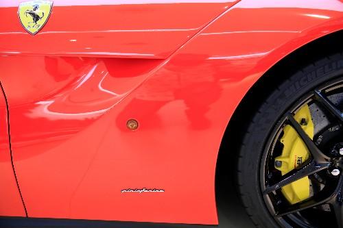 Pininfarina su minimi da fine 2016, pesa revisione guidance 2019