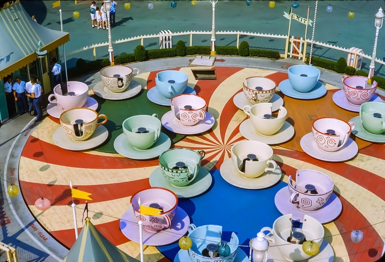 Daily Vintage Disneyland: Tea Cup ride in 1959 Fantasyland (not very busy) #disney #disneyland #fantasyland #teacup