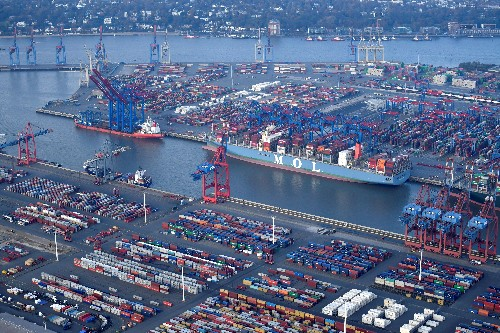 German investor morale surges on signs of resilient exports