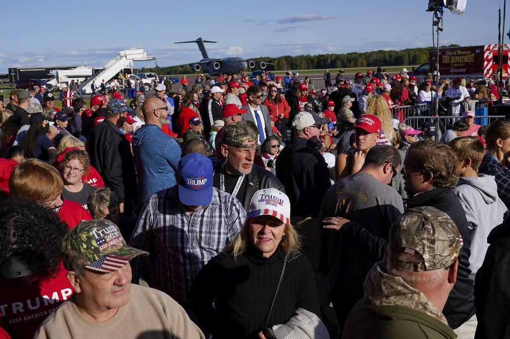 Trump heats up culture war in appeal to Wisconsin voters