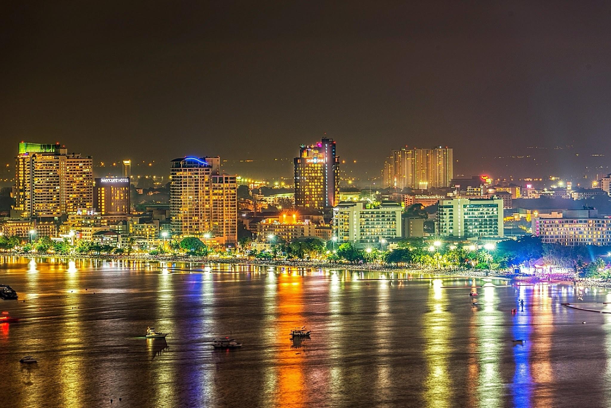 Beautiful Pattaya Beach nightlights