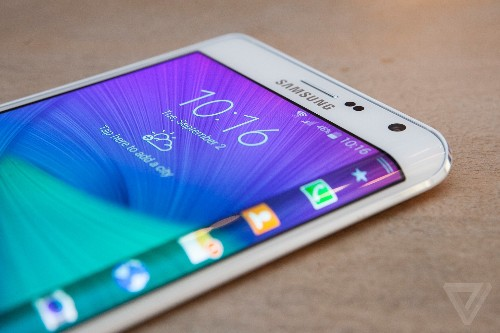Samsung's next flagship phone will combine metal back with three-sided screen, says Bloomberg