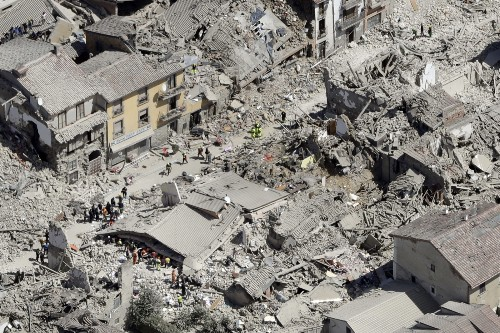 Earthquake Levels Towns in Central Italy: Pictures