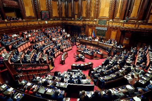 Italie: Le Sénat donne du temps à Conte et frustre Salvini