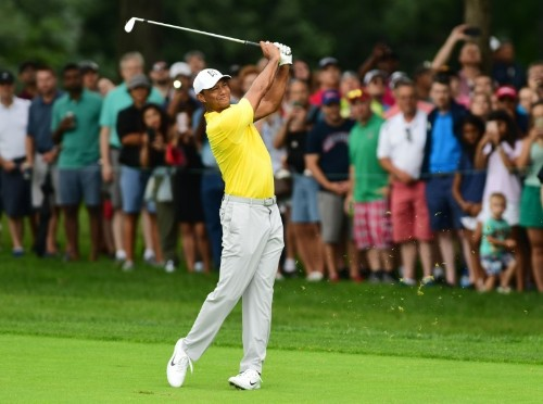 Tiger keeps Tour Championship hopes alive with 67 at BMW