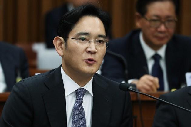 South Korea Prosecutor To Seek Arrest Warrant For Samsung Group Chief Jay Y. Lee