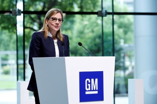 GM challenges Tesla with promise of profitable electric cars