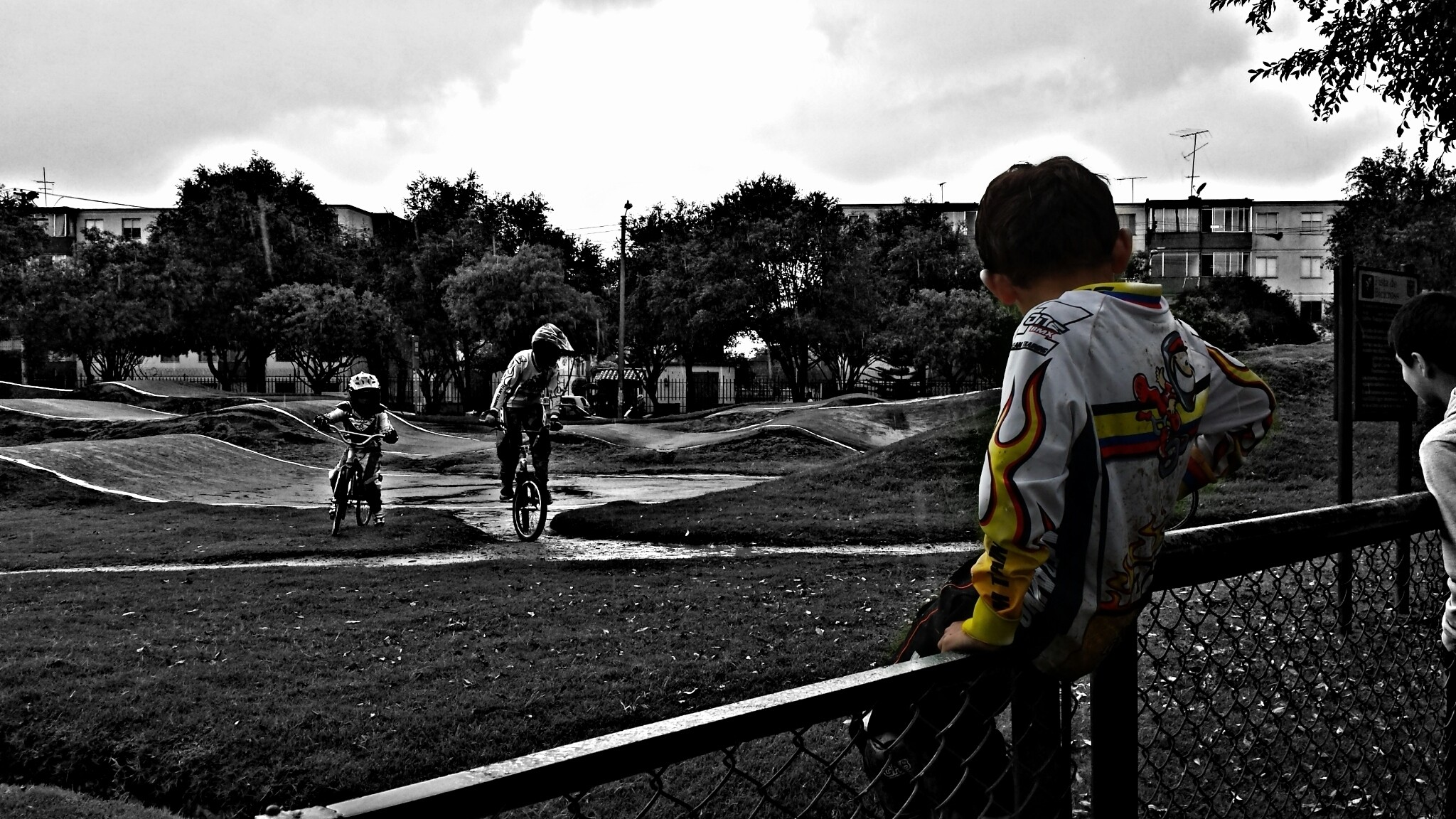 Cómo guía y como ejemplo ve de muy cerca las carreras de su héroe Samuel Rodriguez