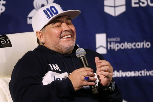 Argentine club makes throne for coach Maradona