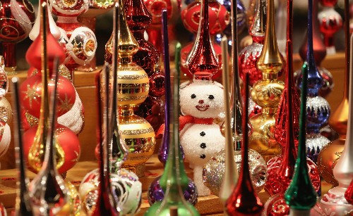 6 Cool Holiday Traditions Around the World